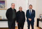 El vicario de Cartagena invita a la Corporación a participar en la procesión del Corpus Christi