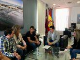 El alcalde recibe al  piragüista Pablo Francisco Sánchez, de 16 años, que  representará a España en los Juegos Olímpicos de la Juventud de Buenos Aires
