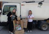 La solidaridad de dos vecinas alhameñas llega a los trabajadores de FCC Medio Ambiente en otros municipios de la Regi�n