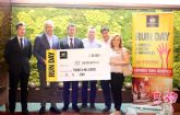 Vive la Suerte entrega a Asteamur 30.000 euros con motivo de la carrera solidaria Run Day