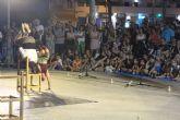 Acrobacias y humor en la primera noche del festival 'Sal de calle'