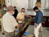 El Cristo de las Ánimas abandona el templo de San Javier para ser restaurado en el Centro de Restauración de la Región de Murcia