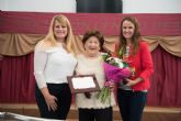 Natividad Meseguer es nombrada Mayor del Año durante el IX aniversario del Centro de D�a