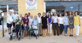 'Making a Difference' dona 5 sillas de ruedas y 3 andadores a los servicios sociales del ayuntamiento
