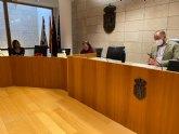 El Gobierno municipal se re�ne con los comerciantes floristas de Totana