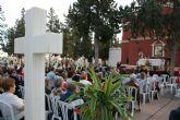 La tradicional Misa de Ánimas congrega a varios centenares de personas en el Cementerio Municipal Nuestra Señora del Carmen