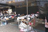 La Policía Local incauta 63 pares de zapatillas deportivas falsas en un puesto del mercado
