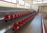 Las gradas del Pabellón Deportivo estrenan 124 nuevos asientos