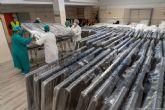 El Ayuntamiento entrega a sanidad 100 camas para el Hospital Santa María del Rosell donadas por un empresario
