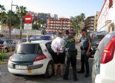 La Guardia Civil detiene in fraganti a una persona que manipuló varios cajeros automáticos para obtener tarjetas de crédito