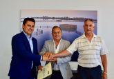 La Comunidad apoya a los taxistas de San Javier con 180.000 euros para contribuir al turismo del municipio, el Mar Menor y La Manga