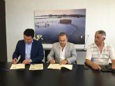 La consejería de Fomento y el Ayuntamiento de San Javier firman un convenio de apoyo a los taxistas de San Javier que recibirán una ayuda de 180.000 euros