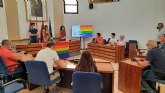 Las asociaciones juveniles de Alcantarillan leen el manifiesto para conmemorar el Día del Orgullo LGTBI