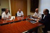 El alcalde se re�ne con el consejero de Empleo, Universidades y Empresa con el fin de abordar algunos temas de inter�s general que afectan a este municipio