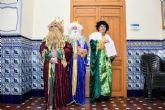 Tres empleados de ARIMESA vestidos de Reyes Magos han intentado entregar una carta a la alcaldesa socialista de Santomera
