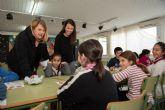 Alicia Jiménez y la concejal de Política Social visitan las Escuelas de Navidad