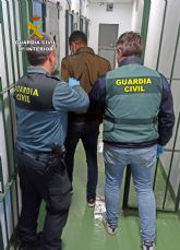 La Guardia Civil detiene a un experimentado delincuente buscado por la justicia