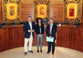 Firma del convenio para el desarrollo del proyecto 'Replay' en Beniel