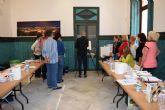 Nono Garc�a enseña a pintar con acuarelas en Casas Consistoriales