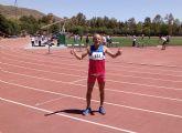 El atleta torreño Ángel Salinas revalida sus títulos regionales de 100, 200 y 400 metros
