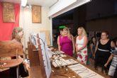 Más de 20 puestos ofertan sus mejores productos en el mercado de verano