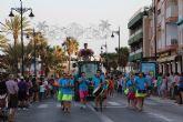 El desfile de carrozas pone fin a las fiestas patronales en honor a San Pedro