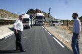 El alcalde visita las obras de mejora de la carretera RM-C8 con el fin de conocer su estado de ejecución, ya en su tramo final