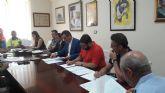 El delegado del Gobierno preside la junta local de Seguridad de Alhama, donde las infracciones penales descienden un 26%