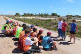 San Pedro del Pinatar celebra un campo de trabajo medioambiental en torno al Parque Natural de las Salinas de San Pedro con jóvenes voluntarios/as de toda España