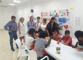 25 menores participan en una escuela de verano en el centro vecinal del barrio del Carmen