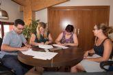 El nuevo servicio de ayuda a domicilio atenderá a 70 personas y a una decena de familias