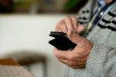 AFAMMER imparte en el hogar del pensionista un taller de nuevas tecnologías para mayores de 55 años