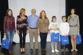 Dos niños pinatarenses, finalistas del Concurso de dibujo infantil de Aqualia