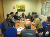 El alcalde compromete la colaboración municipal con las problemáticas de la agricultura local