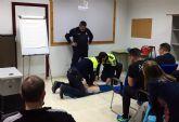 El cuerpo de Protección Civil forma en el uso de desfibriladores semiautomáticos a la Policía Local