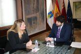 El presidente Fernando López Miras se reúne con la alcaldesa de Mazarrón
