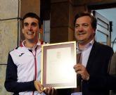 Fuente Álamo se vuelca con su atleta Mariano García