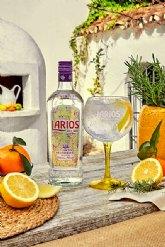 Larios Dry Gin presenta su nuevo diseño inspirado en la esencia del Mediterráneo