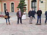 Concentración frente al ayuntamiento de Murcia para denunciar la precariedad laboral en la empresa Mercamurcia