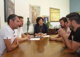 El Ayuntamiento firma un convenio de colaboración con el Club Deportivo Lumbreras para fomentar el fútbol en el municipio