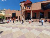 Minuto de silencio por fallecidos COVID-19 en Plaza de España de Molina de Segura