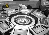 La Guardia Civil destapa una trama dedicada a estafas continuadas en un salón recreativo