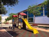 Nuevos pavimentos en la zona de juegos del Parque de la Cubana, parque de la Piscina cubierta y acceso al Centro de Salud