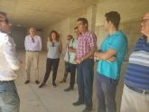 Los diputados del Grupo Socialista visitan el inacabado Museo Regional de Paleontología en Torre Pacheco