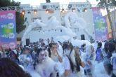 Un millar de personas se pintan de colores en la refrescante fiesta Holi Day Party de San Pedro del Pinatar