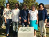 Placa conmemorativa 'Plantar un árbol' en la plaza Ntra. Sra. de los Dolores, en Torre-Pacheco