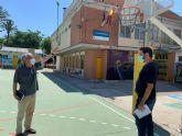 Deportes trabaja en la instalación de una cubierta para una de las pistas polideportivas del colegio Barriomar 74