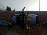 Servicios de emergencia rescatan y trasladan al hospital a sendos heridos en accidentes de tráfico ocurridos en Yecla y Lorca