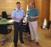 El alcalde se reúne con el nuevo comandante del Acuartelamiento Aéreo de Sierra Espuña (EVA-13) en el marco de un encuentro institucional