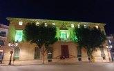 La fachada del Ayuntamiento se ha iluminado de color verde durante este fin de semana con motivo del D�a Nacional de la Artritis